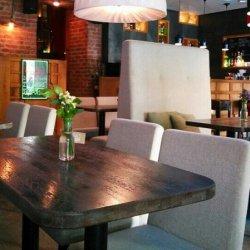 Удобная мебель для петербургского кафе